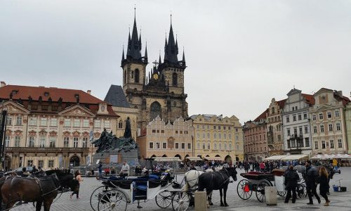 nomadic mick old town square prague 1000x563