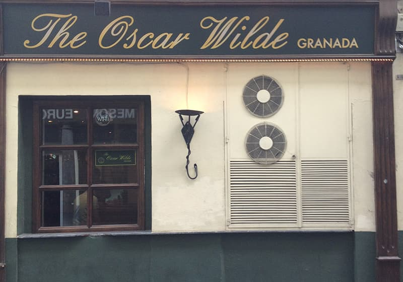 nomadic mick oscar wilde irish bar granada spain 800x560