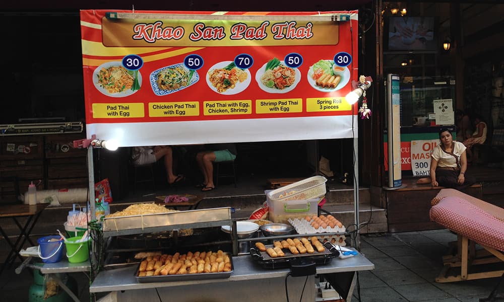 nomadic mick bangkok on a budget khaosan road street food